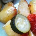 Pečeni krumpiri s tikvicom i rajčicom